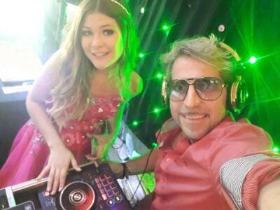 DJ Português toca no aniversário da sobrinha da eterna rainha dos baixinhos